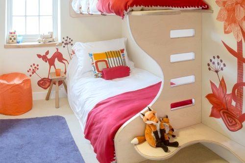Cool kids bunk room.