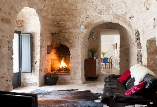 Trullo Fico has been created so that it is as comfortable out of season as it is in the summer. There is instant central heating, a log fire, double-glazing, soft feather duvets with Egyptian cotton sheets, hot water bottles, lots of snugly faux fur throw