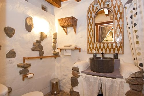 Eco Cottage Bathroom