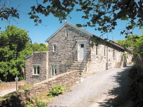 Yennadon Barn Image 1
