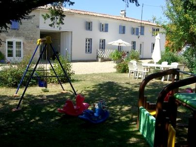 Family Friendly Holidays at The Farmhouse - La Bigorre Holiday Cottages