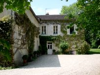 Burgundy Chateau- Manor House Image 4