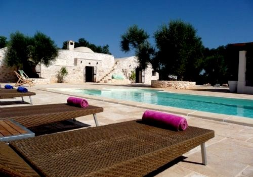 Trullo Fico and pool