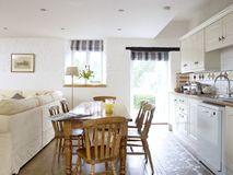 Kitchen to back garden
