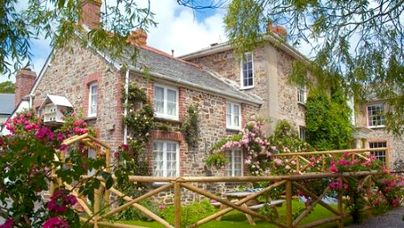 Family Friendly Holidays at Broomhill Manor Country Estate - House Cottage