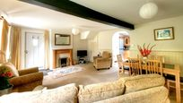 House cottage lounge