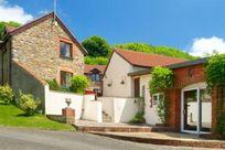 Aylesbury Cottage Image 9