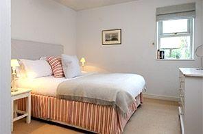 Rosevine- Polkirt Apartment Image 9