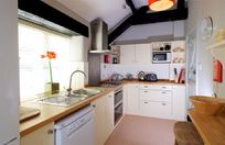 Casterbridge cottage kitchen