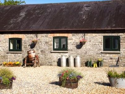 Family Friendly Holidays at Cwmcrwth Farm Cottages - The Milking Parlour