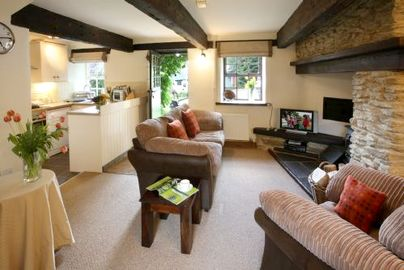 Family Friendly Holidays at Clydey Cottages - Foxglove Cottage