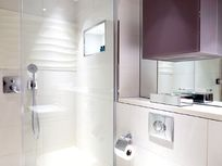 Cheval Three Quays - Tower View Deluxe 3-Bedroom Image 13