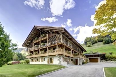 Family Friendly Holidays at Chalet le 4-Apartment 1