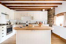 Cartwheel kitchen