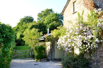 Family Friendly Holidays at Flear Farm Cottages - The Linhay Lodge