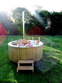 All the accommodation at Middle Stone Farm has hot tubs