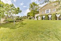 Cote de Rhone Farmhouse Image 19