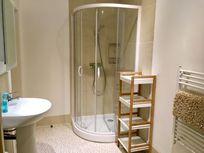 Luxury en-suite to master bedroom