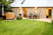 The Milkshed complete with private garden and eco hot tub