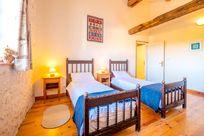 La Forge upstairs twin bedroom