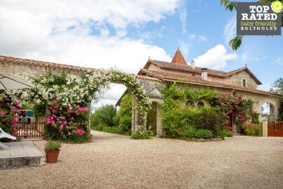 Family Friendly Holidays at Beau Chateau - Blacksmith Cottage