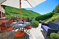 Pietramelina's terrace and dining area