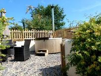 The Stable Cottage has a wood fuelled hot tub as an optional extra