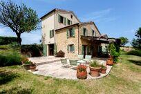 Hillside Villa Image 20