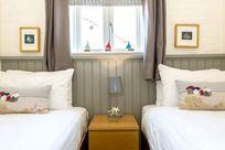 Bedroom 2 - Twin 3ft beds