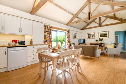 Family Friendly Holidays at Cranmer Country Cottages - Tern