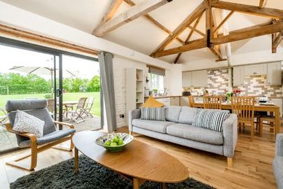 Family Friendly Holidays at Cranmer Country Cottages - Swallow