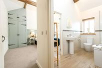 Swallow Cottages en-suite or family bathroom