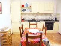 Dining in the Assisi & fully fitted kitchen