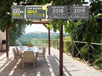STAY AT OUR MULTI AWARD WINNING FAMILY RETREAT