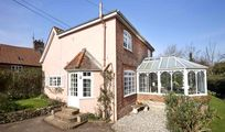 Ferry Cottage, Suffolk Pink and the perfect place to holiday