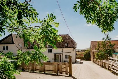 Family Friendly Holidays at Tapnell Farm - Dairyman's Cottage