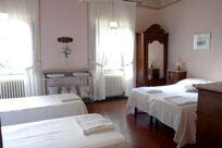 Villa Pia- Small Family Room Image 16