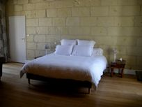 Chateau de Chargé - spacious double rooms with 180x200cm memory foam mattresses