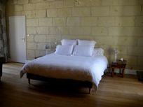 Chateau de Chargé - spacious double rooms with 180x200cm memory foam mattresses