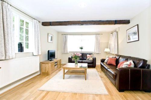 Toms Lane Cottage  Image 2