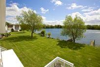 Caterina Lake Lodge Image 11