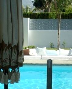 The sunken seating area by the pool