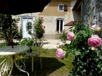 Chez Aristide - The Courtyard at St Catherines Image 15