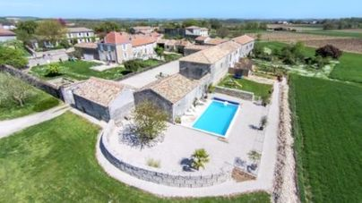 Family Friendly Holidays at Chez Aristide - The Courtyard at St Catherines