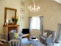 Vionnet suite spacious open-plan living/dining room