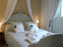 Lartigue suite master bedroom
