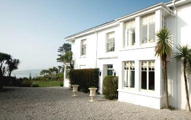 Rosevine- Caerhays Apartment Image 2