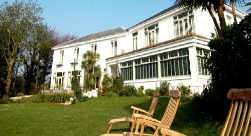 Rosevine- Caerhays Apartment Image 7