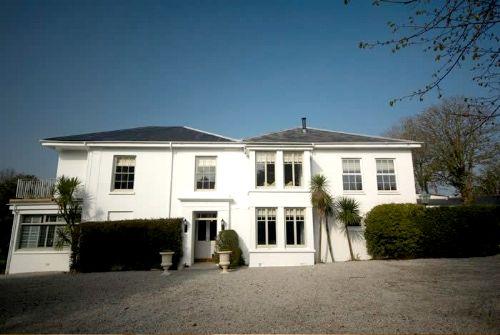 Rosevine- Caerhays Apartment Image 6