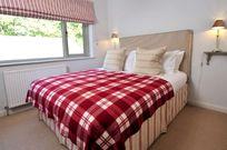 Rosevine- Caerhays Apartment Image 9